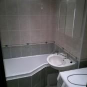 V této vaně se i pohodlně osprchujete   (Pankrác, Bítovská  byt 2+1)
