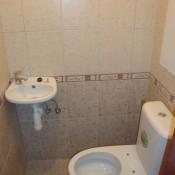 WC s umyvátkem  (sídliště Stodůlky, Zázvorkova ulice   byt 3+1)